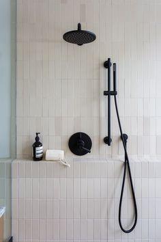 Heath Ceramics Tile, Heath Tile, Modern Bathroom, Small Bathroom, Master Bathroom, Decor Inspiration, Bathroom Inspiration, Bathroom Renos, Basement Bathroom