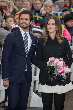 Prince Carl Philip and Princess Sofia arrive at the city Hall during Visit Varmland on October 21, 2016 in Varmland, Sweden.