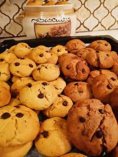 Με μόνο τρία υλικά πανεύκολη συνταγή για μπισκοτάκια Cookies, Desserts, Food, Crack Crackers, Tailgate Desserts, Deserts, Eten, Cookie Recipes, Postres