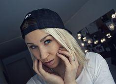 -- SNAPBACK GIRL --  #hashtag #snapback #norwegian #vlog #blog #blondehair #blonde #blondie #fingertattoo