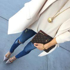 "Sasha Simon • lolariostyle on Instagram: ""Ripped jeans neutral ✨ @liketoknow.it www.liketk.it/1DxfN #liketkit"""