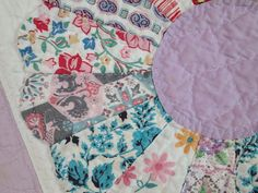 Sweet Country Farmhouse Lavender Feedsacks Vintage C1930 Dresden Plate Quilt 8