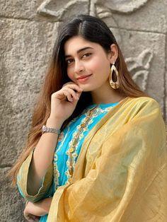 Iam Sofia Kaif Facial Oil, No Foundation Makeup, Blog Tips, Sephora, Sari, Skin Care, Posts, Fashion, Saree