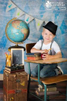 Back to School Mini Sessions 2012. Michele Coleman Photography has some really cute ideas for school pics.