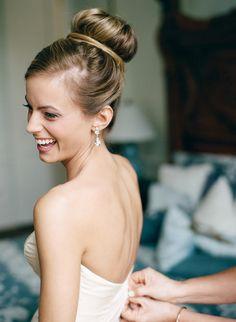 love a bride with a ballerina bun  ~  we ❤ this! moncheribridals.com