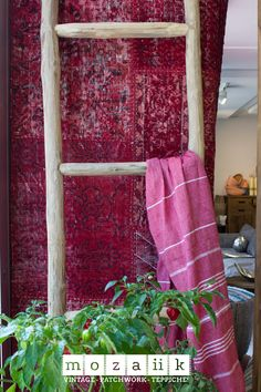Carpets, Ladder Decor, Vintage, Home Decor, Scrappy Quilts, Farmhouse Rugs, Rugs, Decoration Home, Room Decor