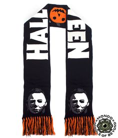 Halloween Daily News: Mondo Releasing Michael Myers Horror Sweater, Scarf Halloween Movies, Halloween Boo, Halloween Horror, Scary Movies, Halloween Outfits, Halloween Clothes, Halloween 2019, Happy Halloween, Michael Meyer