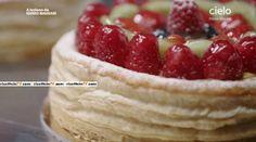 pasta sfoglia casalinga Iginio Massari Raspberry, Strawberry, Yummy Cakes, Biscotti, Sweet Recipes, Cheesecake, Sweets, Fruit, Cooking