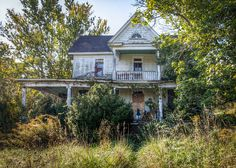 An abandoned house on Old Mill Road in Roanoke, VA.  Yep...totally want it