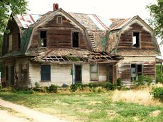Abandoned and forgotten in Harper, Ks. Beautiful structure