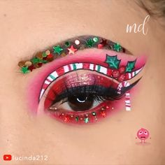 Get Free Cosmetic Samples! Loving this holiday eye ! Never miss an opportunity to wear your creativity ! Fast Makeup, Diy Makeup, Makeup Art, Christmas Makeup Look, Holiday Makeup, Lipstick Designs, Makeup Designs, Makeup Diy Videos, Crazy Lipstick