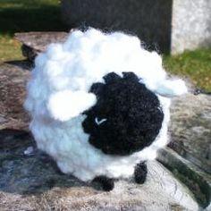 Sheepy free crochet pattern on Amigurumipatterns.net at http://www.amigurumipatterns.net/Farm-Animals/Sheepy/