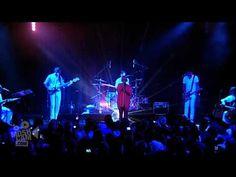 SIA in store show Ameba in LA 1st time I'd ever heard of her...Fantastic!  Breathe me!! 2009