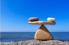 Równowaga w życiu... jest niezmiernie ważna. Wcielamy ją w życie wtedy, gdy jesteśmy w zgodzie z samym sobą. Pamiętaj: rób to, co sprawia Ci największą przyjemność, bądź z tymi, których kochasz, bądź sobą i wnoś harmonię do swojego życia. :) W jaki sposób wy utrzymujecie równowagę w życiu? #IlonaBMiles #motivation #coaching #harmony #równowaga