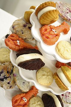 Delicious homemade Maine desserts can be the centerpiece of your event (dressed for the occasion or plain, as shown)....  Lucky Lobster Shortbread Cookies, Crazy Clam Island Buttermilk Cakes, Sunshine Sand Dollar Cookies and Gourmet and Golden Whoopie Pies.