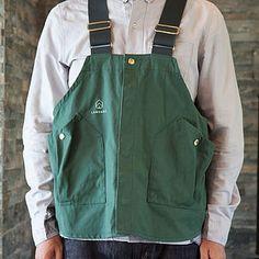 ハンティングベスト Farmer Outfit, Fishing Vest, Work Jackets, Aprons, Minimal, Menswear, Style Inspiration, Clothing, How To Wear