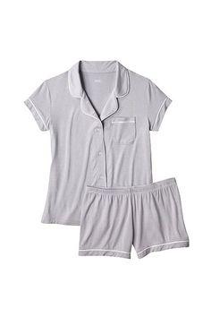 30 Perfect Pairs Of Pajamas For Your Next Netflix Marathon #refinery29  http://www.refinery29.com/cute-fall-pajamas#slide-7