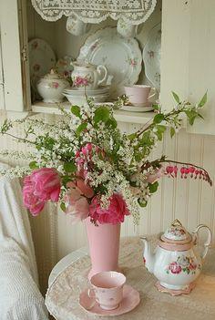 Tea set and flowers