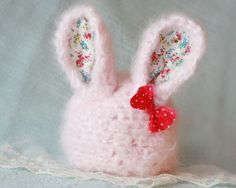Oh, SERIOUSLY--this is the cutest baby bunny hat I've ever seen.  Too bad my baby bunny is too big!