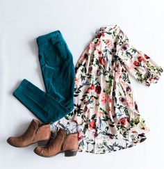 The prettiest floral tunics, not only are they ridiculously cute--but super comfortable as well! #Floral
