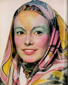 Karen Graham photographed by Irving Penn for Vogue, Seventies Fashion, 70s Fashion, Fashion Shoot, Fashion History, Vintage Fashion, Patti Hansen, Lauren Hutton, Turbans, Christopher Niquet