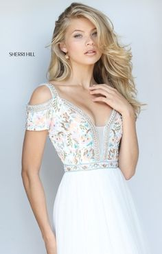 Sherri Hill dresses are designer gowns for television and film stars. Find out why her prom dresses and couture dresses are the choice of young Hollywood. Pretty Dresses, Beautiful Dresses, Beautiful Women, Buy Dress, Dress Up, Modelos Fashion, Sherri Hill Prom Dresses, Evening Dresses, Formal Dresses
