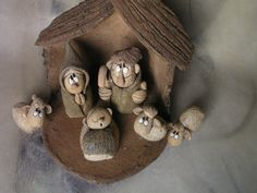 Betlém pro Filipa... Stavba 17 cm na výšku .Figurky do 11 cm.