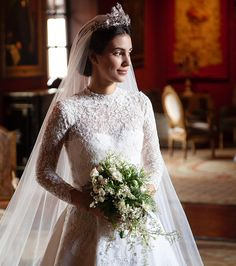 Formal photos of Princess Alessandra of Hannover (nee Osma) in her wedding dress. The wedding took place on March 16 Photo credit: Sergio Corvacho (who also did her makeup) Royal Wedding Gowns, Hijab Wedding Dresses, Royal Weddings, Dream Wedding Dresses, Bridal Dresses, Celebrity Wedding Photos, Celebrity Weddings, Royal Brides, Wedding Dress Shopping