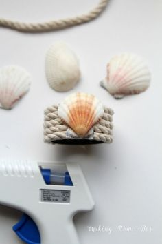 shell and rope nautical napkin rings.