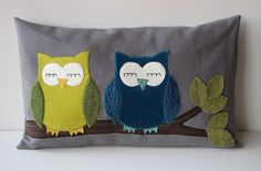 Super cute owl pillows. I could do them with hedgehogs.