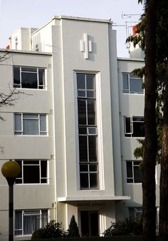 Weston Grange, a nice example of Art Deco architecture in Bournemouth