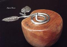 Θέμα, πειρασμός, ξύλο με μέταλλο.