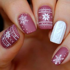 Accented FingerKnited Accented Finger Blood Drip Nail Tutorial for Halloween Winter nails - 42 Beautiful Sweater Nail Designs Perfect For Christmas 163 christmas nails designs to try page 1 Cute Christmas Nails, Xmas Nails, Holiday Nails, Winter Christmas, Snow Nails, Christmas Hair, Holiday Acrylic Nails, Xmas Nail Art, Snowflake Nail Art