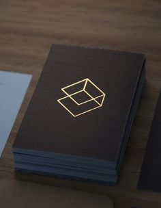 Craftsman and Crate Corporate Design Design Poster, Graphic Design Branding, Corporate Design, Identity Design, Business Card Design, Print Design, Minimal Business Card, Black Business Card, Creative Business