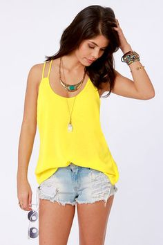 Love this neon yellow top! So versatile<3   Get 7% Cash Back http://www.studentrate.com/itp/get-itp-student-deals/lulu-s-Student-Discount--/0