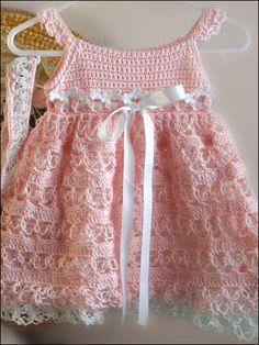 selamlar arkadaşlar sizlere minik hanımlar için yazlık elbise yapımı paylaşmak istedim videosunu yayınlayacağım elbise modelinin üst beden ve alt etekolarak 2 videosu var .Değişik renkler de yapı…