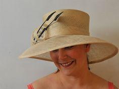 Lucy - Hat Borrower