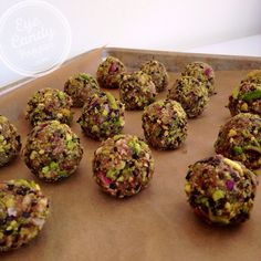 Fig and pistachio powerballs (vegan, raw, gluten-free, paleo) | eyecandypopper.com
