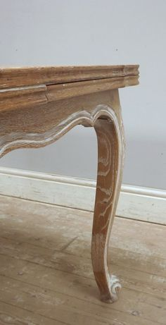 Old French limed dining table - Provencal Style with beautiful grain