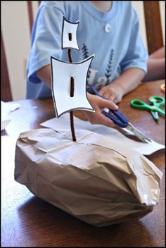 Pirate Boat craft for kids.  Could use this for fishing boat or Bible story