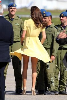 During her 2011 tour of Canada with Prince William, Kate Middleton inadvertently flashed her royal bum when a gust of wind caused her dress to fly up at the Calgary airport. Description from meryemuzerlihurremsultan.blogspot.com.tr. I searched for this on bing.com/images