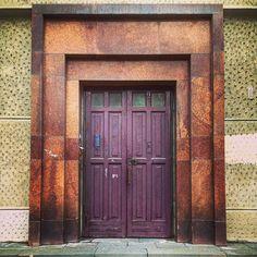 Дверь на Московском проспекте / The door on Moskovsky prospect #spb #saintpetersburg #stpetersburg #door #foto #спб #санктпетербург #питер #дверь #дверигорода #мойгород #фото