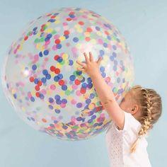 """Riesenballons mit Konfetti. Durchmesser ca. 91 cm. Kit bestehend aus 3 große durchsichtige Ballons, buntem Konfetti. Aus der Partyserie """"Toot Sweet"""". Vom Premium Partyartikel Hersteller MeriMeri.  Mehr auf www.mygreatparty.de"""