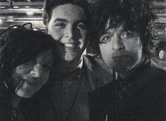 Adrienne, Billie, and Joey last night♡ Billie hair is looking kind wild. Haven't seen it this long in years.