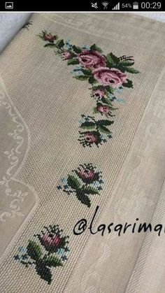 This Pin was discovered by nur Diy And Crafts, Cross Stitch, Knitting, Towels, Punto Croce, Table Runners, Napkins, Needlepoint, Embroidery