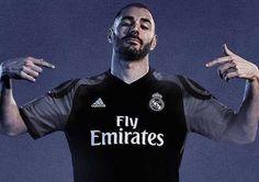 Karim Benzema filtra el diseño de la tercera camiseta del Real Madrid 16-17