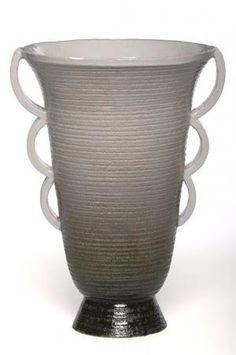 Vase en faience Luc Lanel | Présenté à l'Exposition internationale des arts et techniques dans la vie moderne à Paris en 1937