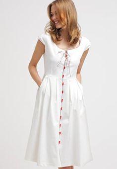 Ein feminines Kleid für viele Anlässe. One O Eight Freizeitkleid - white für € 94,95 (16.09.16) versandkostenfrei bei Zalando.at bestellen.