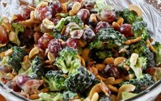 5+SmartPoints+,+5+PointsPlus+Ingredients+4+cups+small+broccoli+florets+(about+1+1/2+pounds)+1+1/2+cups+seedless+green+grapes,+halved+1+cup+chopped+celery+1+cup+raisins+1/4+cup+salted+sunflower+seed+kernels+1/3+cup+light+mayonnaise+1/4…