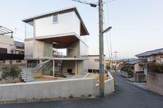 Komatsu Architects . House in Ayameike . Nara (1)
